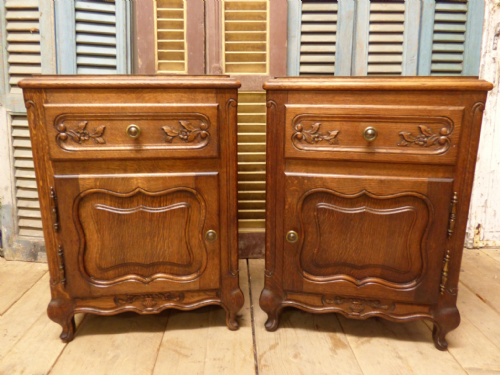 Lovely Oak French Bedside Cabinets - cv08 - RESERVED